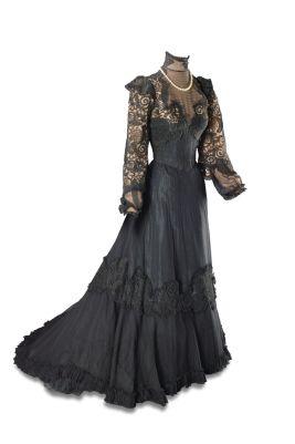 EH - Joan Fontaine The Emperor Waltz.jpeg